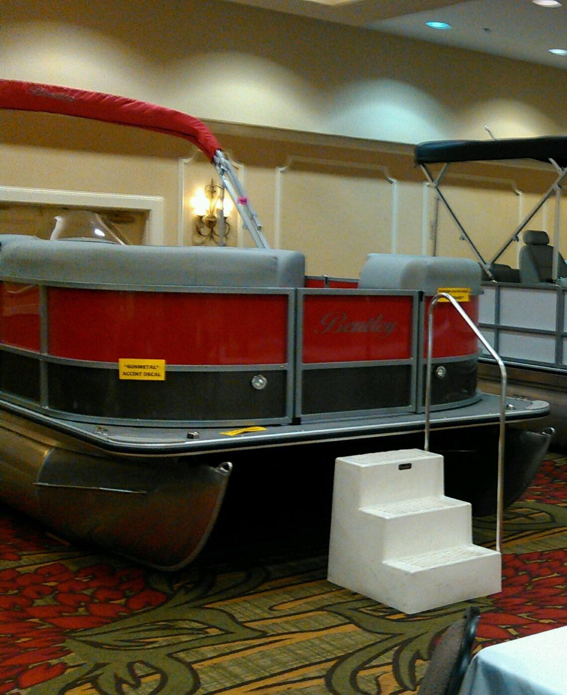 Bentley Pontoon Boats At Parker Marine 603-875-2600